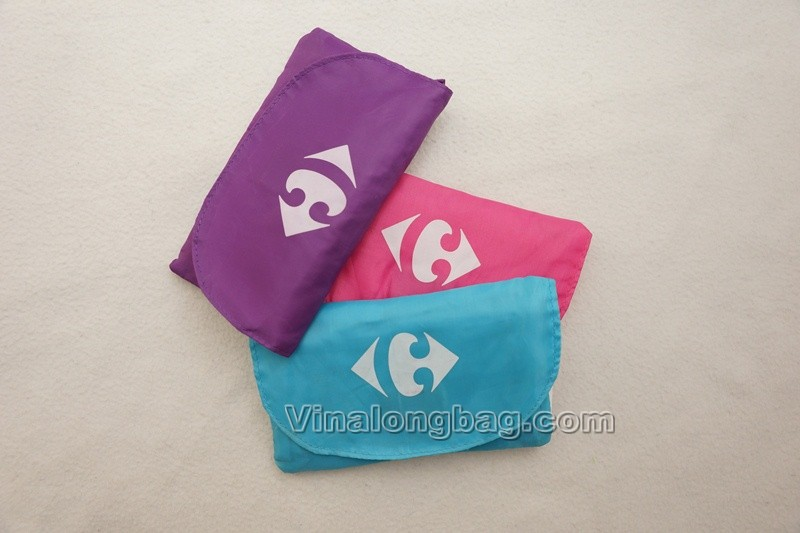 Nylon shopping bag with small pocket